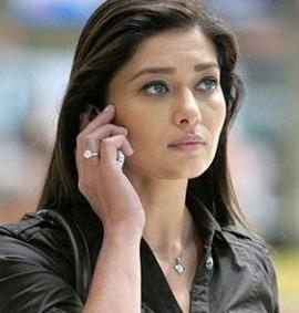Yeşilçay, geçen sezonun başınra ekranın en çok kazanan yıldızı olarak bir rekora imza attı. Rol aldığı Sensiz Olmaz dizisi için yapımcı şirketle bölüm başına 55 Bin Lira'ya anlaştı.
