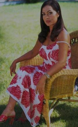 Şoray, Ünal ile evlendi. Ancak bu evlilik sadece 4 yıl sürdü. Boşandıktan sonra bir zamanlar Adlı ile birlikte yaşadığı işadamının o dönemde oturmaya devam ettiği villanın alt katına yerleşti. Bir anlamda yeni aşkının hayal kırıklıklarını, kalp acılarını silmek için eski aşkının mekanına sığındı Şoray.  Rüçhan Adlı 1995 yılında hayata veda etti.