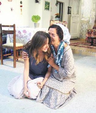 EGE AŞIKLARI (ALEV ALEV) Bir Yeşilçam filminden uyarlanan dizi de ATV'nin yeni sezon sürprizlerinden.