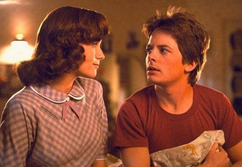 Sinemanın unutulmaz serilerinden biriydi Geleceğe Dönüş. Michael J. Fox'un adı da bu seriyle özdeşleşti..