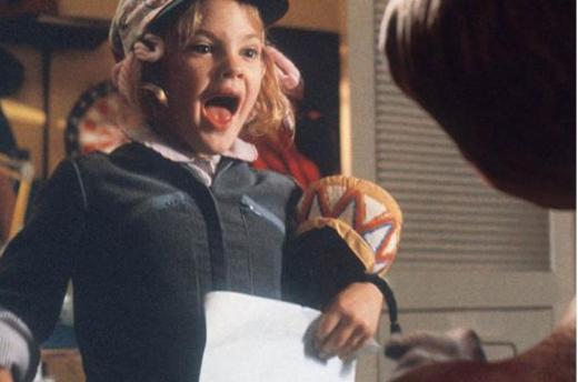 Hatta bu film ile parladı denilebilir. E.T'de rol aldığında henüz 7 yaşındaydı.