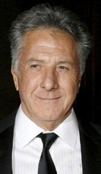 Hollywood'un usta oyuncularından Dustin Hoffmann filmde oynadığında 50 yaşındaydı.