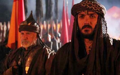 Yeni sezonun iyi zor oyuncularından biri de Devrim Evin. 1453 Fetih filmiyle yıldızı parlayan Evin bu defa yapımın dizi versiyonuyla ekranda olacak.