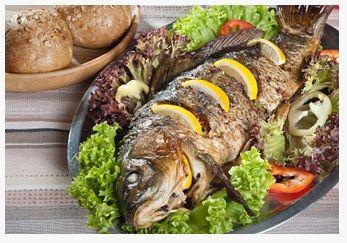 Mezgit: Göçmen bir tür olan mezgit kışın Karadeniz'den Marmara'ya göçer. Mart ayında yumurta döktükten sonra Mayıs'ta yeniden Karadeniz'e çıkar. Ortalama 30-40 cm. uzunluğunda olan mezgitin eti beyaz ve lezzetlidir. Genlikle tava ve haşlaması yapılan mezgit, Şubat-Mayıs aylarında lezzetlidir.