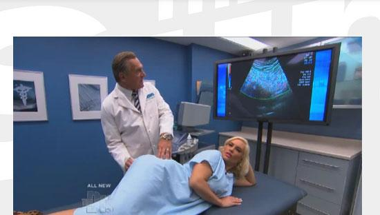Amerikalı model Coco Austin televizyon programında yeni bir çılgınlığa imza attı.