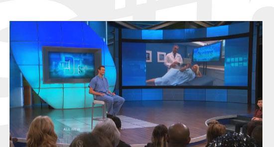 Hastanedeki muayenehaneden The Dr's isimli reality şovuna katılan Coco ses dalgalarının yardımıyla kalçasında  platin ya da estetik var olup olmadığını seyircilere kanıtladı.