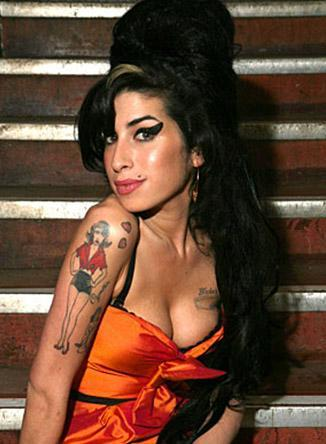 ASİ KIZ NEDEN ÖLDÜ Müzik dünyasının eşsiz sesli asi kızı Amy Winehouse'un ölümü de hayranlarını şoke etti.