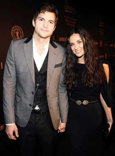 Demi Moore ve Ashton Kutcher çiftinin arasında 15 yaş var.