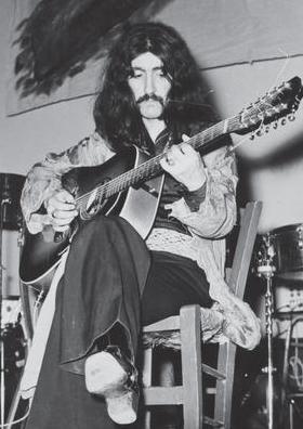 BARIŞ MANÇO - LALE MANÇO  Türkiye'de rock müziğin kurucuları arasında yerini alan Barış Manço dünya çapında da tanınan bir yıldızdı