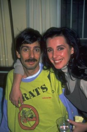 Çift 1987 yılında evlendi. Hem meslek hem de özel hayatları mutlu bir şekilde sürüyordu. Ta ki o beklenmedik olay gerçekleşene kadar.