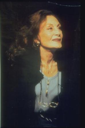 YILDIZ KENTER - ŞÜKRAN GÜNGÖR  Tiyatronun duayen isimlerinden biriydi Yıldız Kenter...