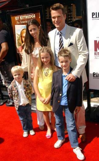 CHRIS O'DONNELL Chris O'Donnell ve eşi Caroline'in beş çocuğu var.