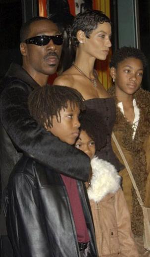 Çocuklarından Willow da anne ve baba mesleğini seçip gösteri dünyasına adım attı.