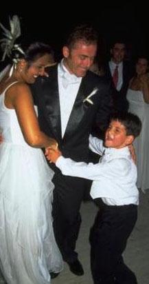 Duru, Masis'den ayrıldıktan sonra Özalp Birol ile evlenirken oğlu Cem de yanındaydı.