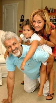 Aktörün Hazal adını verdiği bir kızı var.