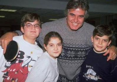 TARIK AKAN Usta aktör üç çocuk babası.