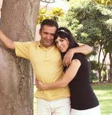 YAVUZ BİNGÖL Ünlü sanatçının Türkü Sinem adında bir kızı var.
