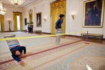 Jimmy Fallon races Michelle Obama in the White House
