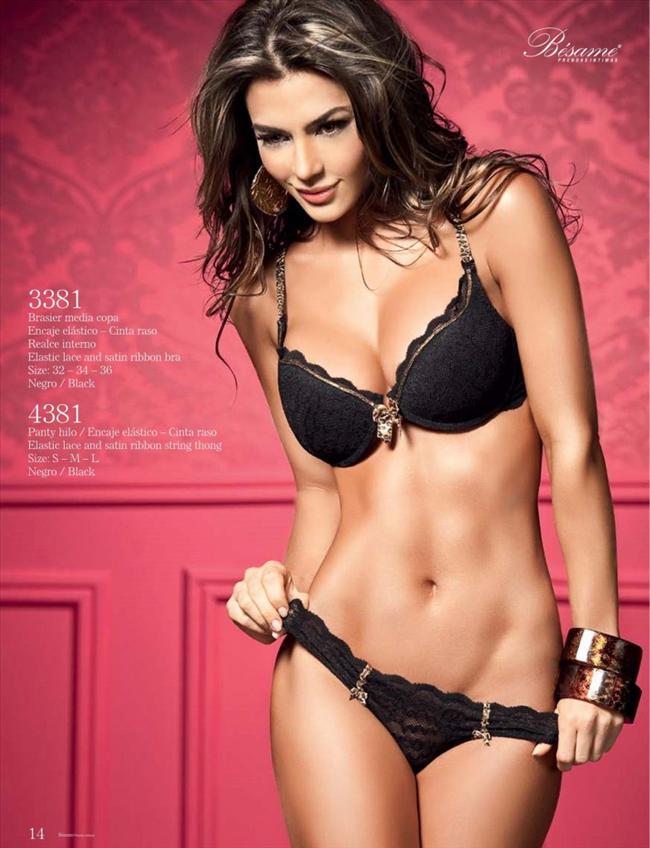 Natalia Velez - 45