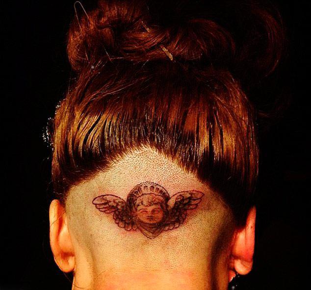 Dövmeyi yapan dövme sanatçısı Mark Mahoney, sonuçtan çok memnun olduğunu söyledi.