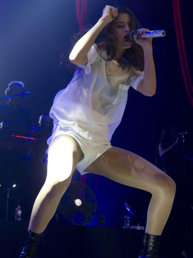 Selena Gomez fena yakalandı! - 4