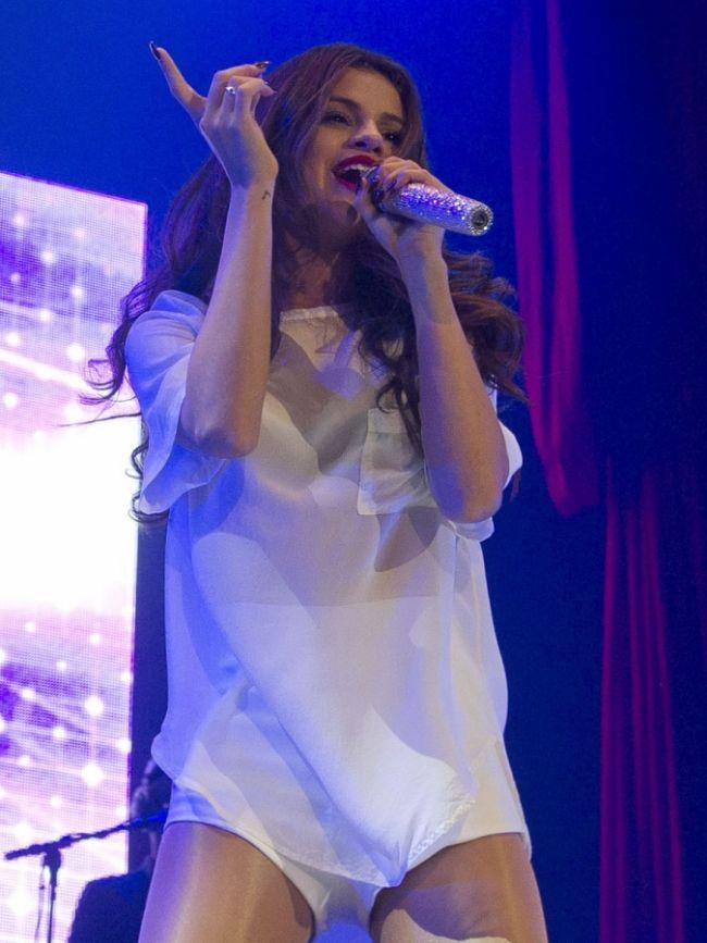 Selena Gomez fena yakalandı! - 9