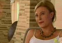Sonra bir çok dizide oynadı. Geçen sezon Unutulmaz dizisinde Nazan karakterini canlandırmıştı.
