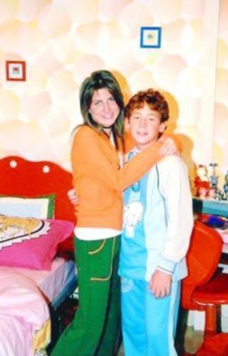 Aynı dizide oynarken büyüyüp delikanlı olanlardan biri de Furkan Kızılay.