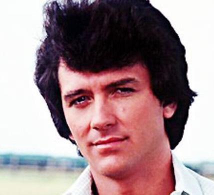 Patrick Duffy, Dallas için kamera karşısına geçtiğinde henüz 30'larının sonundaydı..