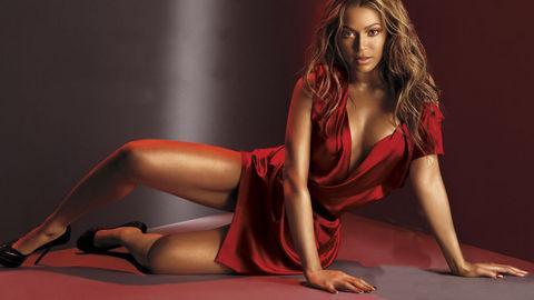 Birkaç yıl önce onun da sevgilisi Jay-Z ile olan sevişme görüntüleri olduğu söylendi. İddiaya göre Las Vegas'ta bir otelde kalan çift, otel çalışanları tarafından odalarına konulan kamerayla görüntülendi.