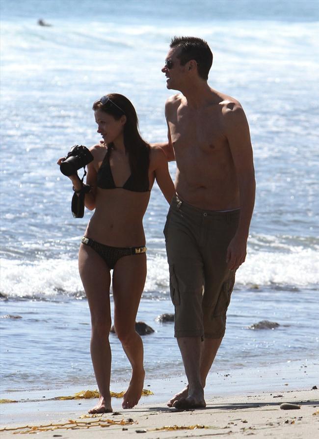 Jim Carrey genç sevgilisiyle tatilde - 12