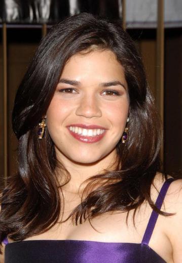 Genç yıldız da gülüşünü ve dişlerini 10 milyon dolara sigortalattı.