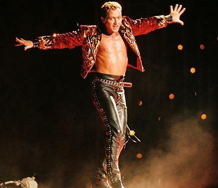 Dansçı Michael Flatley, hayatını ayaklarıyla kazanıyor.