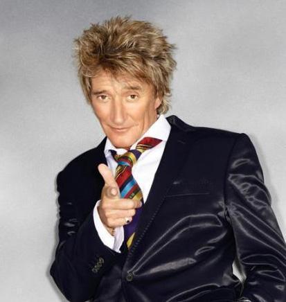 Rod Stewart hayatını şarkı söyleyerek kazanıyor.