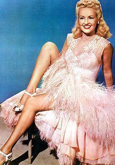 O da en güzel yeri olan bacaklarını 1940'lı yıllarda 1.2 milyon dolara sigortalatmıştı.