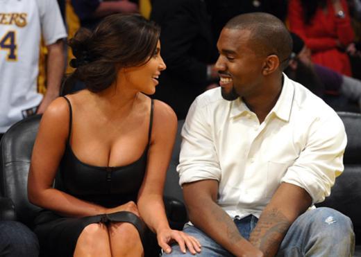 Fotoğrafı sayfada gören Kim Kardashian çok sinirlendi ve hemen sevgilisinden bu kareyi kaldırmasını istedi.   West de Kardashian'ın dediğini yaptı. Ancak bir iddiaya göre bu fotoğraftaki kadın Kardashian değil, porno yıldızı Amia Miley. Öyle ya da böyle Kanye West fotoğrafı kaldırdı ve konu kapandı.