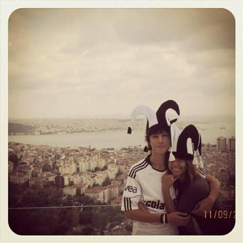 TUĞÇE ÖZBUDAK  Aşkım için Beşiktaş'lı olmuşum. Ablasının bitanesi