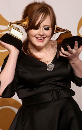 Genellikle 'sıfır' beden mankenleri kapağına taşıyan Vogue dergisi de bir sayısında Adele'e yer vermiş ancak daha sonra o ay satışlarının düştüğünü ileri sürmüştü.