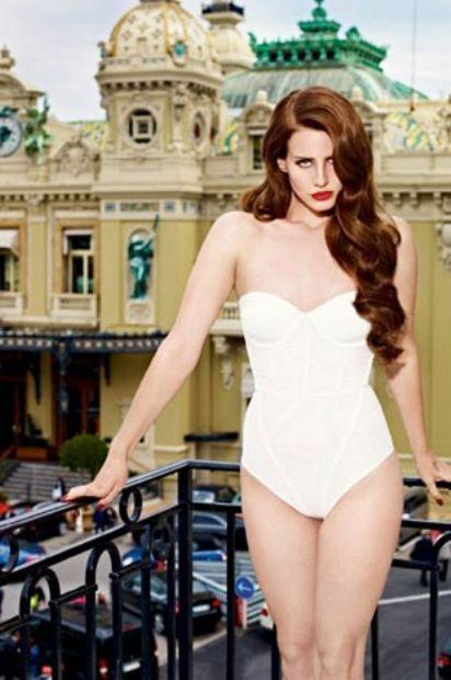 Lana Del Rey'den yılın pozları - 3