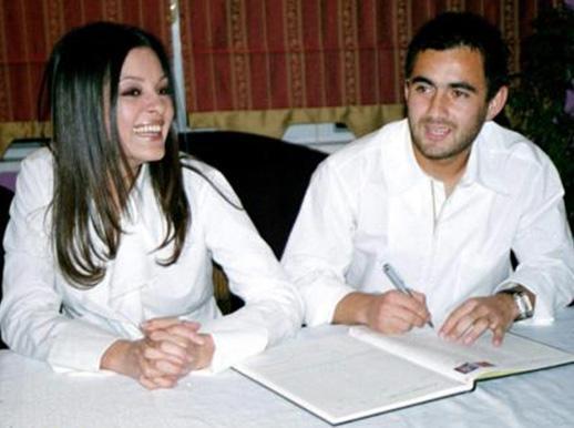 O sıralar evli olduğu futbolcu Ozan'ın dönemin çocuk yıldızlarından Seniha ile eşini aldattığı iddiaları ortaya atılınca Soydaş da bir kez daha gündeme geldi.