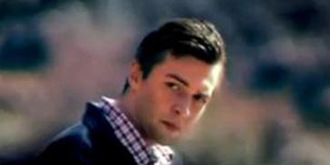 Yalabık, Orhan Hakalmaz'ın bir klibinde rol almıştı.