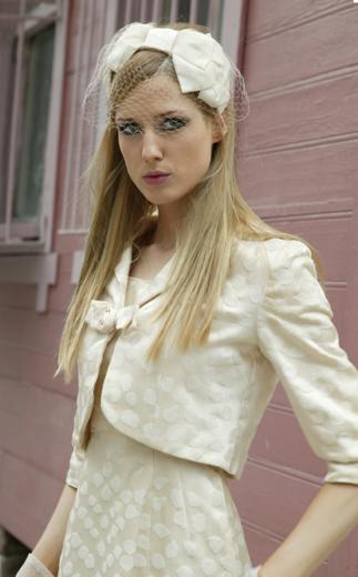Elles, Caroline karakteri sayesinde Türkiye'nin en çok tanınan ekran yüzlerinden biri oldu.