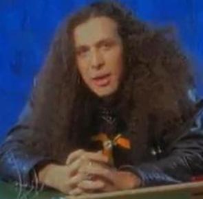 Uzun saçlı olduğu o dönemde bir de süt kampanyasında rol almıştı İşler.