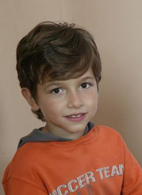 İhsan Berk Aydın da dizide ailenin en küçük oğlunu canlandırıyor.