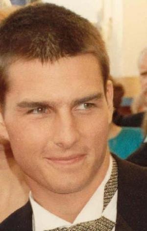 TOM CRUISE DİSLEKSİK Hollywood'un ünlü aktörü Tom Cruise ise disleksi hastası.