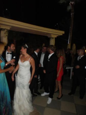 Kayınpederinin otelinde düğün - 12