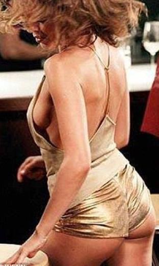 Minogue'a gelen eleştiriler bununla da bitmedi.
