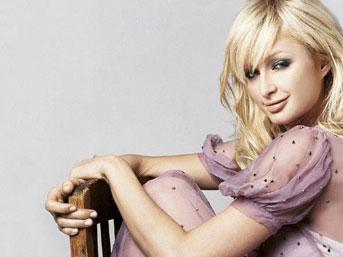 Özel hayatıyla magazin gündeminden hiç düşmeyen sosyetik güzel Paris Hilton, hakkında çıkan sarsıcı haberlere bir yenisini ekledi.
