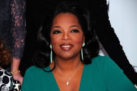Forbes dergisi, 2011'den bu yana eğlence sektöründe en çok kazan 10 ünlü ismi belirledi.  Oprah Winfrey, 165 milyon dolar