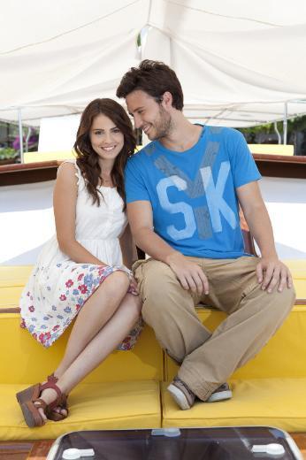 İlk bölümleri Kaş'ta çekilen dizinin yeni seti için İstanbul tercih edildi.